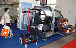 Autoadapt showed a wheelchair hoist.(Photo: Lotte Wemmenborn)